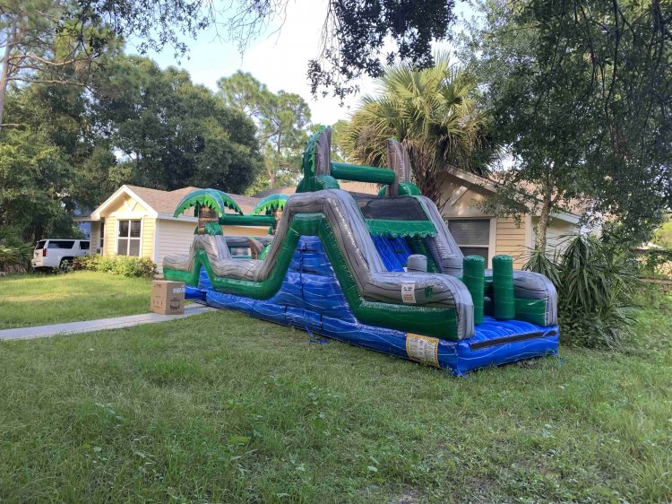 40 ft Blue Crush Obstacle (Wet or Dry)